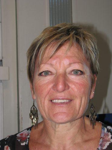 Présentation de Chantal Decroux, comptable d'une entreprise de déménagement à Genève