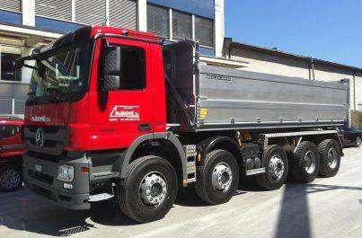 Camion pour le débarras et le transport de chantier en Suisse